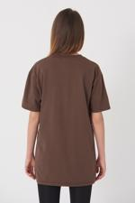 Bayan Kahverengi Yazı Detaylı T-shirt